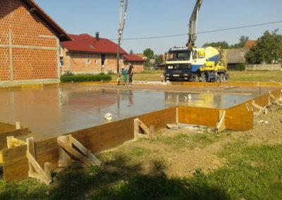 Izgradnja temelja za montažne kuće