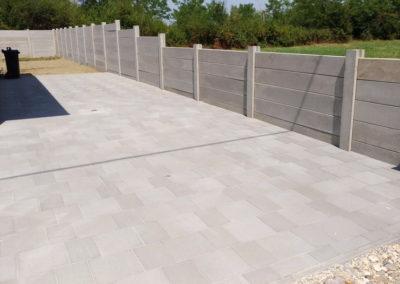 Postavljanje montažne kuće, ograde i polaganje tlakovaca, opločnika - Sračinec (14)