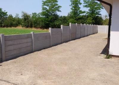 Postavljanje montažne kuće, ograde i polaganje tlakovaca, opločnika - Sračinec (15)