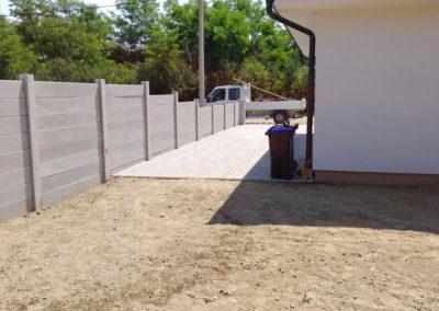 Postavljanje montažne kuće, ograde i polaganje tlakovaca, opločnika - Sračinec (16)