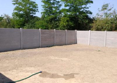 Postavljanje montažne kuće, ograde i polaganje tlakovaca, opločnika - Sračinec (19)