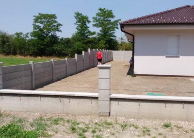 Postavljanje montažne kuće, ograde i polaganje tlakovaca, opločnika - Sračinec (2)