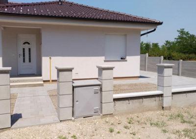Postavljanje montažne kuće, ograde i polaganje tlakovaca, opločnika - Sračinec (3)
