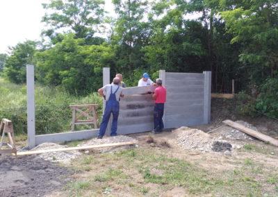 Postavljanje montažne kuće, ograde i polaganje tlakovaca, opločnika - Sračinec (8)