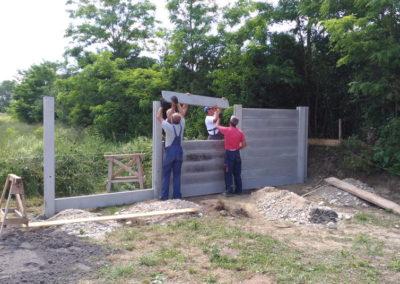 Postavljanje montažne kuće, ograde i polaganje tlakovaca, opločnika - Sračinec (9)